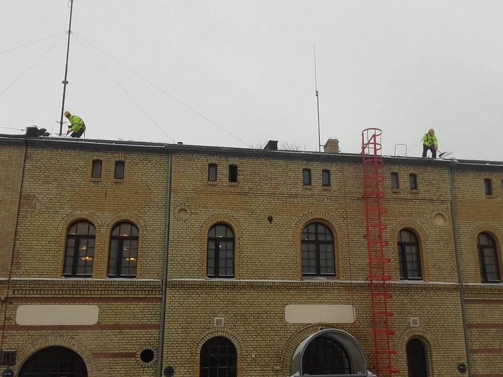 Odśnieżanie dachów - 2